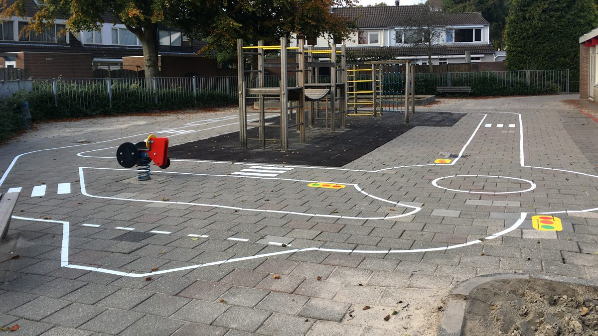 vloerschildering-verkeersplein-obs-de-blaak-tilburg